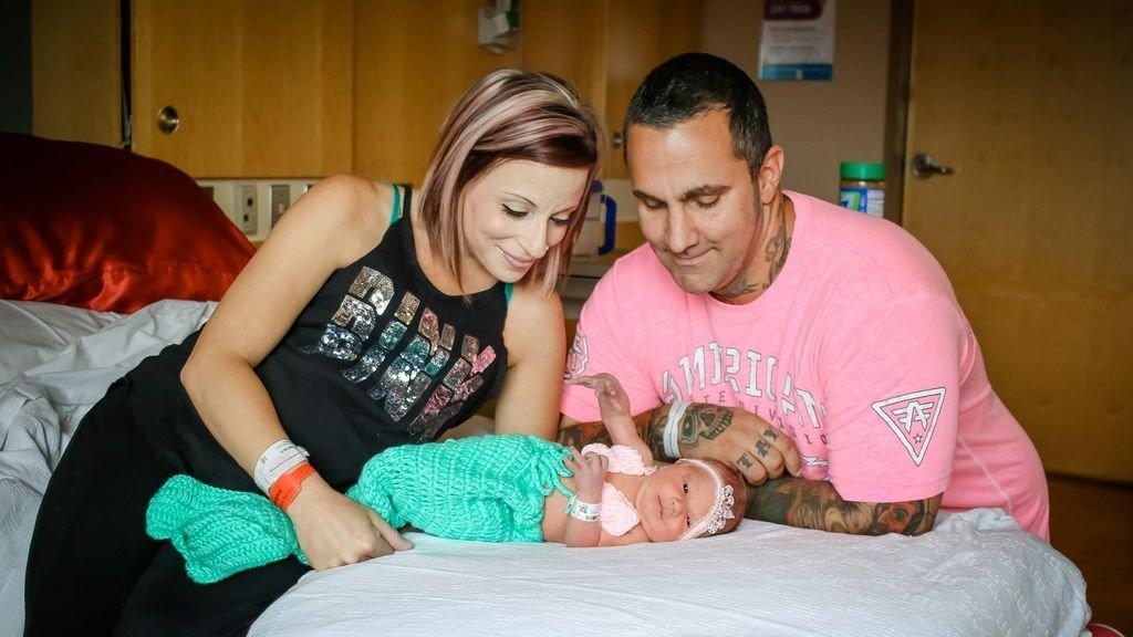 Muere su bebé recién nacido por culpa de alguien que le dio un beso