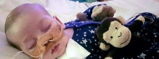 Los padres del bebé inglés Charlie Gard dejarán que su hijo muera en paz
