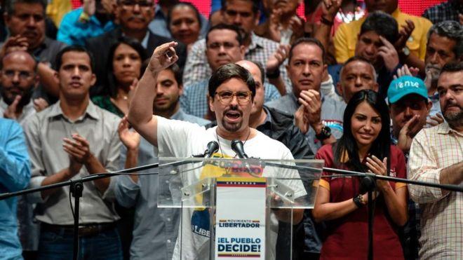 Venezuela inicia su 'hora cero' y pone al tirano de Maduro en la cuerda floja