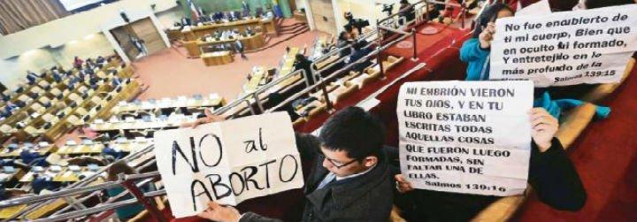 """Los obispos chilenos creen que despenalizar el aborto """"es un retroceso"""""""