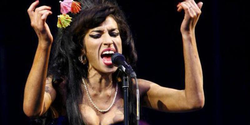 Amy Winehouse: Alcohol, drogas, bulimia y muerte