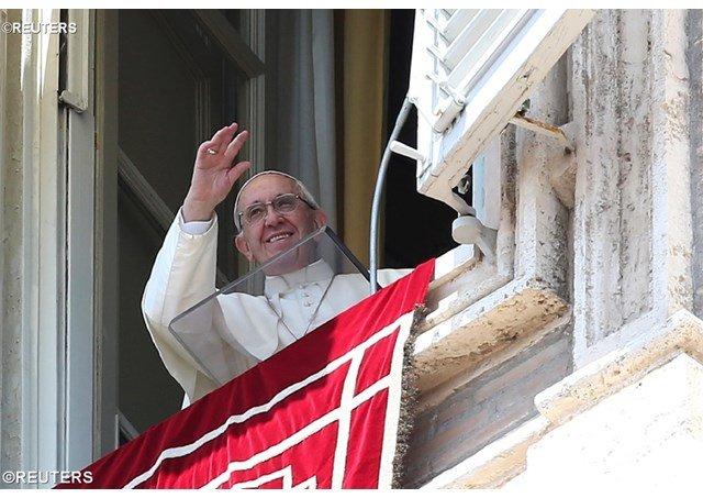"""El Papa pide """"una salida pacífica y democrática a la crisis que se vive en Venezuela"""""""