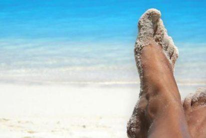 Un truco infalible para despegarte la arena del cuerpo en la playa
