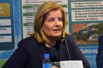 """Fátima Báñez: """"El empleo empieza en las aulas, la educación es esencial"""""""