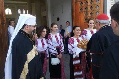 Sandri lleva la solidaridad papal al pueblo de Ucrania