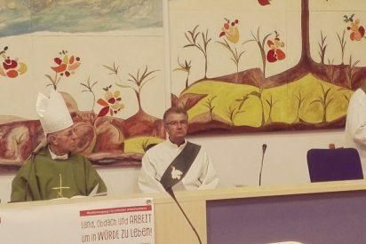"""Cardenal Blázquez: """"Tierra, techo y trabajo son esenciales para la dignidad de las personas"""""""