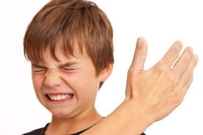 Un niño de 11 años denuncia a su madre por darle un bofetón... y un juez le da otro sopapo