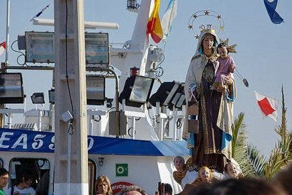 La costa valenciana honra a la Virgen del Carmen