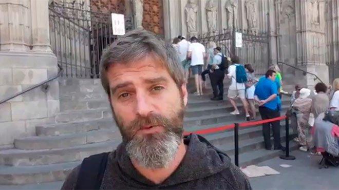 """Alfonso Ussía tritura con saña a los """"imbéciles"""" del 'eCUPnomato' en la catedral de Barcelona"""
