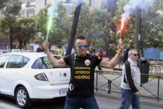 Madrid y Barcelona se quedan sin taxis en una jornada de huelga total