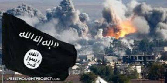 Las tropas sirias alcanzan la costa del río Eufrates... mientras los cadáveres sirven de comida a los perros