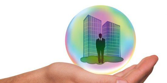 ¿Es más rentable comprar una vivienda o invertir en fondos?