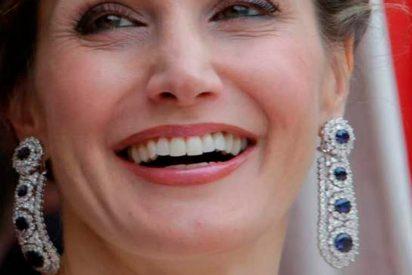 Los impresionantes pendientes de zafiros y diamantes que Letizia estrenó en Londres