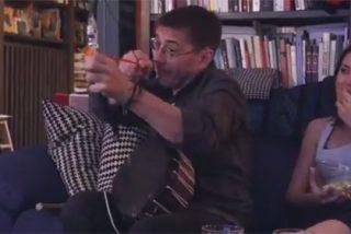 Twitter estalla de risa con la última mamarrachada de 'Toro Sentado Monedero' y 'Coleta India Yoko Ono'