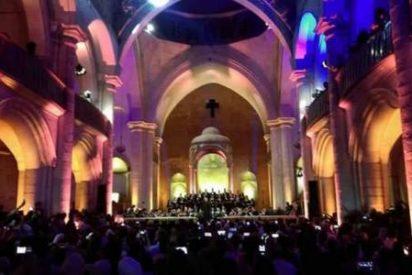 Misa de Mozart en la iglesia en ruinas de Alepo