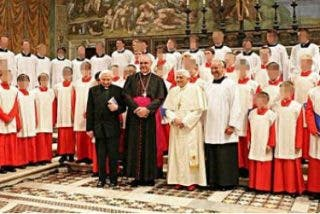 El cardenal Müller asegura ahora que fue él quien destapó la trama del coro de Ratisbona