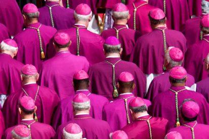 El Papa acepta la renuncia de dos obispos italianos