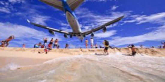 La mujer que murió por culpa de un avión en la playa más peligrosa del mundo
