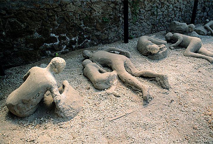 El romano que se estaba masturbando y quedó petrificado por la lava en Pompeya
