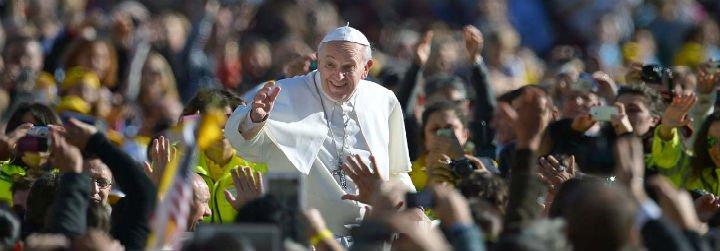 """""""Estamos al lado de Francisco, por una Iglesia en salida, por la cultura del encuentro y no la del descarte"""""""