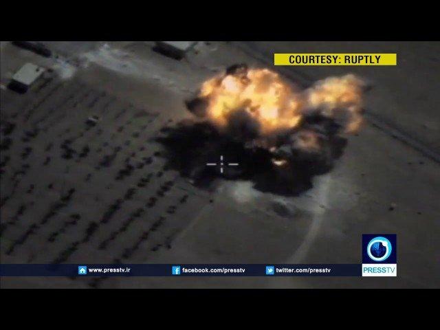 [VÍDEO] Con esta precisión hace añicos la aviación rusa tres depósitos de armas del ISIS