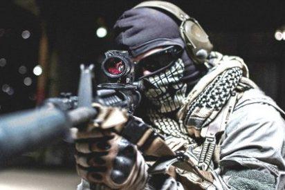 Los militares turcos cazan 'cagando de campo' a un miliciano kurdo