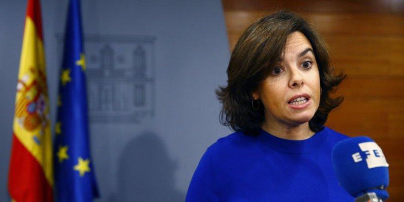 """Soraya: """"Al Estado le bastan 24 horas para paralizar la ley de referéndum"""""""