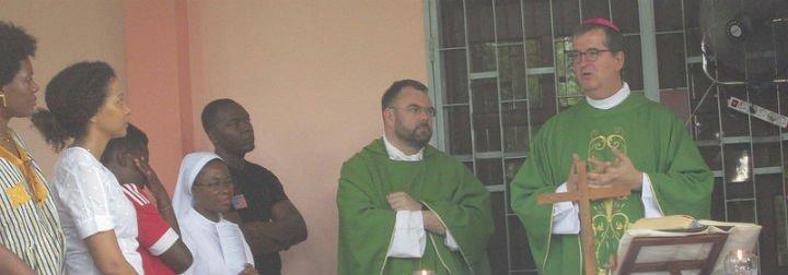 Bienvenido a la Nunciatura de Bangui, don Santiago