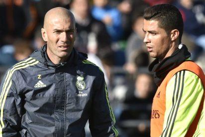 El mensaje de Zidane a Cristiano (a la desesperada) que enfada al vestuario del Madrid
