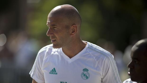Zidane dispara las alarmas tras el debut del Madrid ante el United (y Florentino Pérez toma nota)