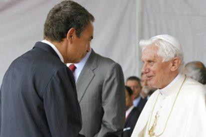 Zapatero desvela que habló tres veces con Benedicto XVI antes de aprobar el matrimonio gay