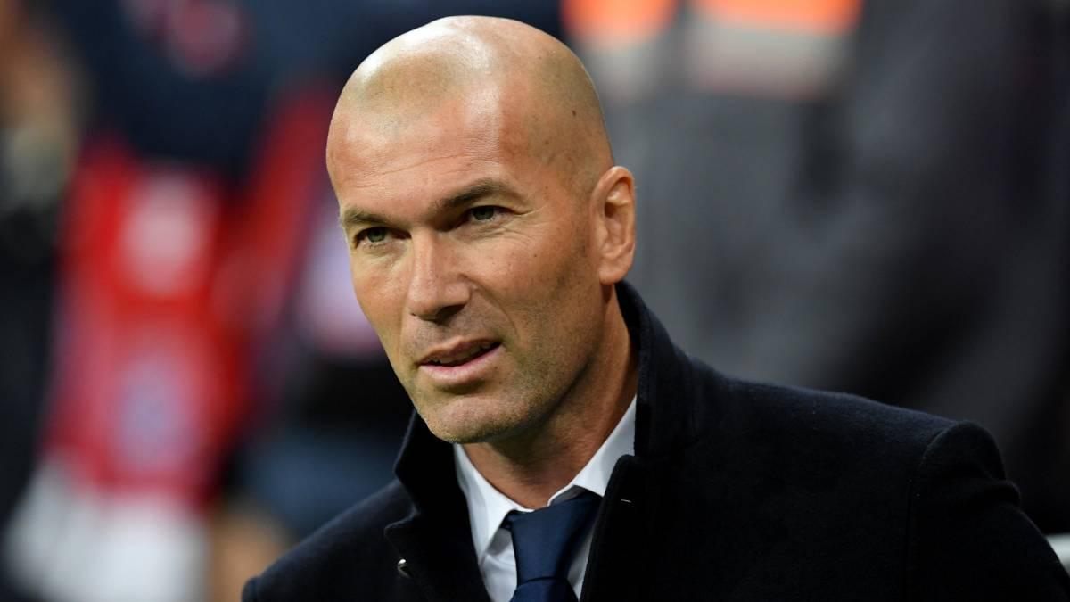 """Zidane interviene para frenar un lío bestial en el Madrid (con un """"me voy"""") antes de empezar la Liga"""
