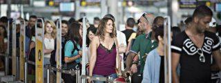 Los 'securatas' del Aeropuerto del Prat votan un no que traerá cola