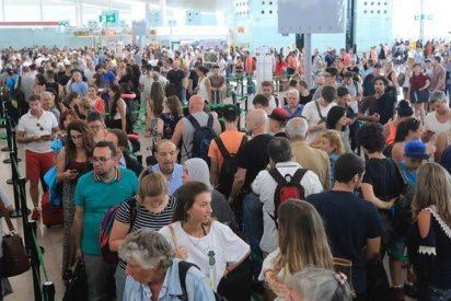 Los empleados de control de seguridad del Aeropuerto Prat convocan una huelga indefinida