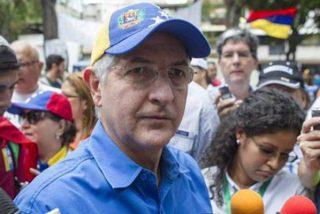 El 'gorila' chavista excarcela al opositor venezolano Antonio Ledezma
