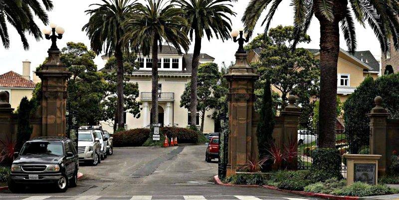Una pareja compra una lujosa calle de San Francisco por 90.000 $ y cobrará por pasar