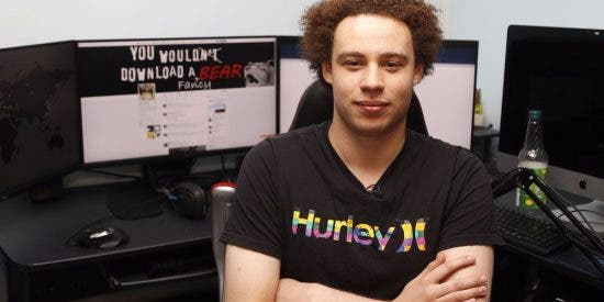 [VÍDEO] El FBI detiene a 'MalwareTech', imputado de seis cargos; el joven que salvó al mundo del virus WannaCry