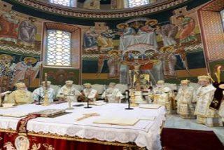 """""""La liturgia es 'popular' y no clerical, es una acción para el pueblo, pero también del pueblo"""""""