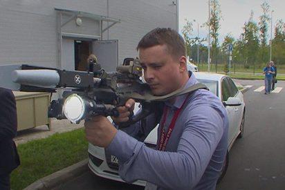 [VÍDEO] Así es el temible rifle Kaláshnikov que acaba con drones y teléfonos