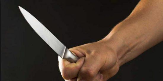 Una ladrona amenaza con un cuchillo a los trabajadores de un comercio y termina detenida en Murcia