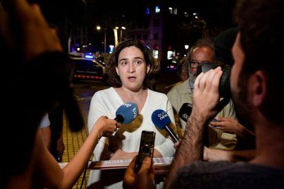 Ada Colau trata de cubrirse y dice que los bolardos no habrían evitado la carnicería en las Ramblas