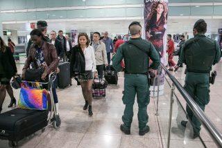 'Efecto Tricornio': El aeropuerto de Barcelona opera con normalidad en la tercera jornada de huelga