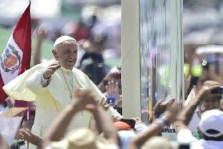"""El Papa, a los peruanos: """"Un santo siempre trabaja de lo que está disperso a la unidad, que es lo que hizo Jesús"""""""