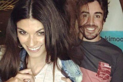 Así han sido las vacaciones de lujo de Fernando Alonso y Linda Morselli en una villa griega