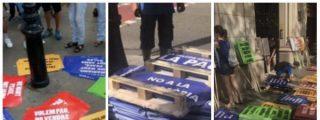 La Cataluña real: cartelitos prefabricados con mensajes de odio a España