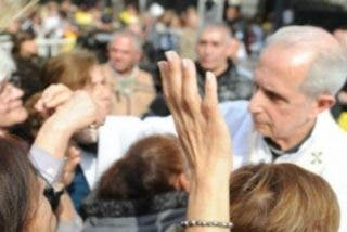 """Poli reprocha en San Cayetano que """"se cierren las puertas del corazón de los que debieran dar empleo digno"""""""
