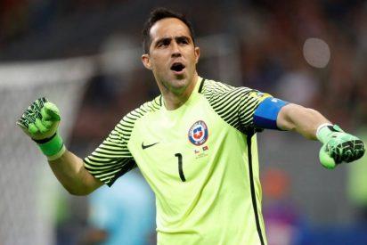 El equipo de la liga española que pide la cesión de Claudio Bravo de manera urgente