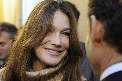 """Carla Bruni: """"Mi marido Nicolás Sarkozy es una bomba"""""""