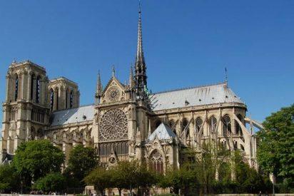 Notre Dame se suma al luto por las víctimas de los atentados