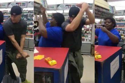 [VÍDEO] Channing Tatum se marca un baile muy sexy con la dependienta de una gasolinera
